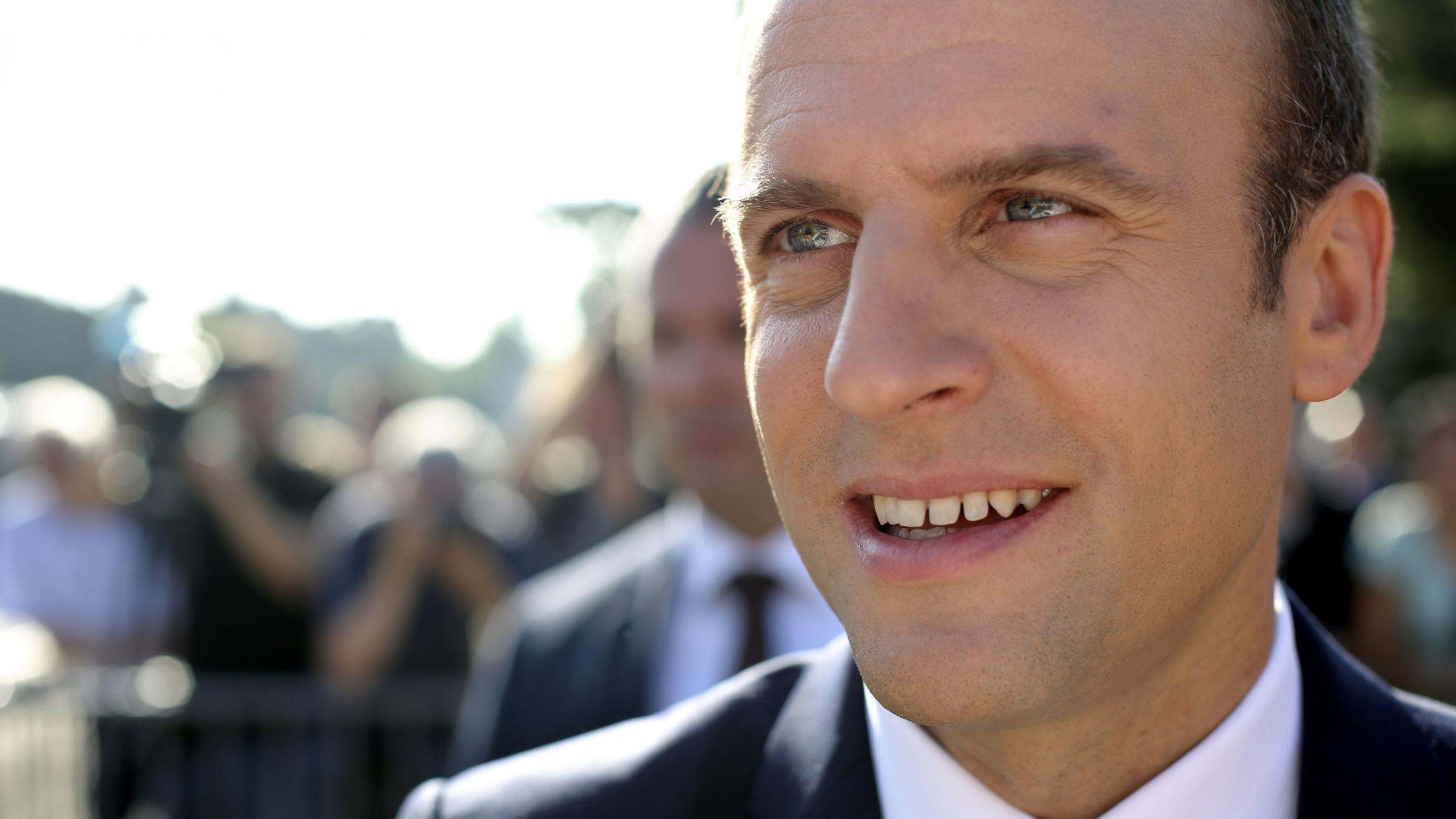 Macron to rearrange French government
